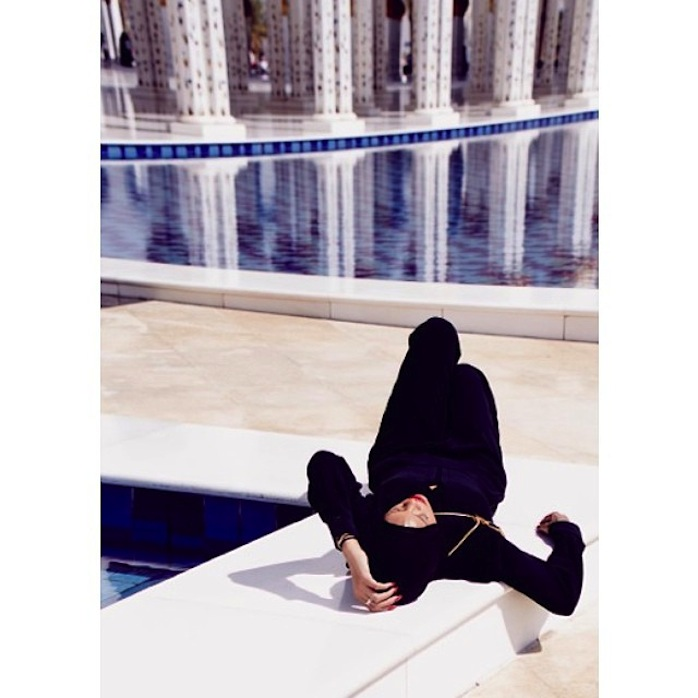 chris_stokes_blog_rihanna_abudhabi_mosque_1