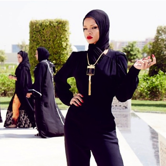 chris_stokes_blog_rihanna_abudhabi_mosque_2