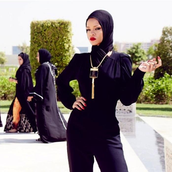 chris_stokes_blog_rihanna_abudhabi_mosque_2
